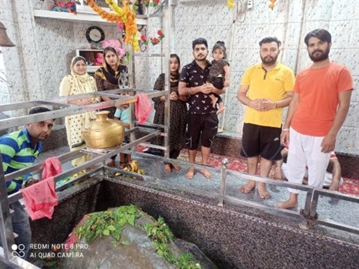 Worship of Shiva Ling also performed on the third Monday of Sawan