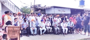 ਮਲਕਪੁਰ ਵਿਖੇ ਸਾਬਕਾ ਸਰਪੰਚ ਸਣੇ 60 ਪਰਿਵਾਰ ਹੋਏ 'ਆਪ' 'ਚ ਸ਼ਾਮਲ