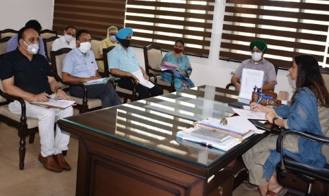 Govid-19 affected children to be made beneficiaries of government public welfare schemes: Apneet Riyat