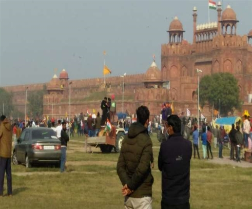 Delhi city ncr delhi police issues notice to three people of punjab in red fort violence