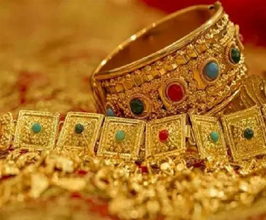 Cheaper the gold sharp fall in silver prices
