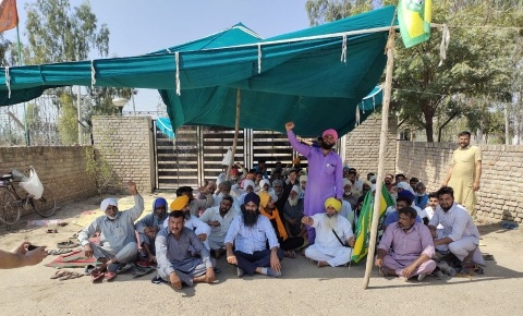 Farmers raised voice for regular electricity supply