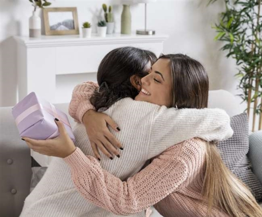 Give mom all these gifts on this occasion which are useful in every way
