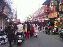 Corona in Jalandhar : ਜਲੰਂਧਰ 'ਚ ਸੋਮਵਾਰ ਤੋਂ 9 ਵਜੇ ਤੋਂ 3 ਵਜੇ ਤਕ ਖੁੱਲ੍ਹਣਗੀਆਂ ਗ਼ੈਰ ਜ਼ਰੂਰੀ ਵਸਤਾਂ ਦੀਆਂ ਦੁਕਾਨਾਂ