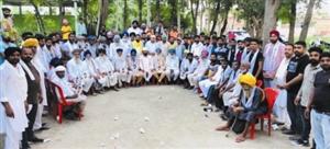 ਪੀਰ ਮੁਹੰਮਦ ਦੇ 90 ਪਰਿਵਾਰ 'ਆਪ' 'ਚ ਸ਼ਾਮਲ
