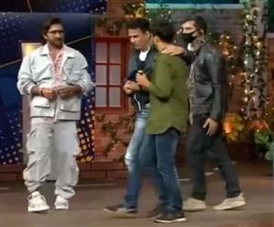 The Kapil Sharma Show ਦੌਰਾਨ ਦਰਸ਼ਕ ਨੇ ਟੈਰੇਂਸ ਲੁਈਸ ਤੋਂ ਮੰਗੇ ਪੈਸੇ, ਮਲਾਈਕਾ, ਗੀਤਾ ਤੇ ਕਪਿਲ ਰਹਿ ਗਏ ਦੰਗ