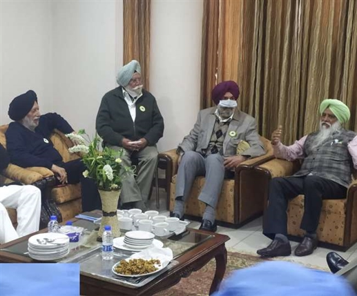 100 former officers of punjab descended in support of farmer agitation
