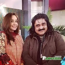 Famous Pakistani Punjabi folk singer Arif Lohars wife Razia lohar passed away