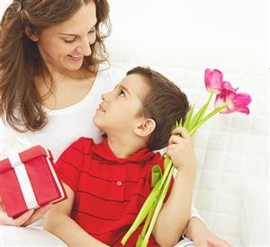 ਅੱਜ ਮਾਂ ਦਿਵਸ 'ਤੇ : ਹੁੰਦਾ ਨਹੀਂ ਫ਼ਿਕਰ ਜਦੋਂ ਮਾਵਾਂ ਹੁੰਦੀਆਂ...