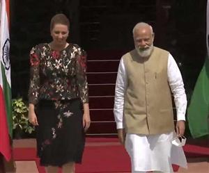 ਭਾਰਤ ਪਹੁੰਚੀ Danish Prime Minister Mette Frederiksen ਨੇ ਕਿਹਾ, 'ਇਥੇ ਆਉਣਾ ਮੇਰੇ ਲਈ ਮਾਣ ਵਾਲੀ ਗੱਲ', ਪੀਐੱਮ ਮੋਦੀ ਨੇ ਕੀਤਾ ਸਵਾਗਤ