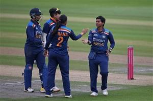 India vs England : ਭਾਰਤੀ ਮਹਿਲਾ ਕ੍ਰਿਕਟ ਟੀਮ ਨੇ ਦੂਜੇ T20 'ਚ ਇੰਗਲੈਂਡ ਨੂੰ 8 ਦੌੜਾਂ ਨਾਲ ਹਰਾਇਆ