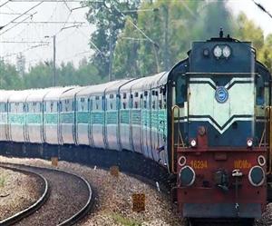 Indian Railways: ਕੋਰੋਨਾ ਇਨਫੈਕਸ਼ਨ ਵਧਣ ਦਾ ਅਸਰ ਟਰੇਨਾਂ 'ਤੇ ਪਿਆ, ਵੱਡੀ ਗਿਣਤੀ 'ਚ ਯਾਤਰੀ ਟਿਕਟਾਂ ਕਰਵਾ ਰਹੇ ਰੱਦ