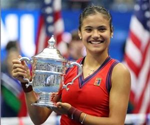 18 ਸਾਲ ਦੀ ਏਮਾ ਰਾਦੁਕਾਨੂ ਨੇ ਰਚਿਆ ਇਤਿਹਾਸ, ਜਿੱਤਿਆ US Open 2021 ਟਾਈਟਲ