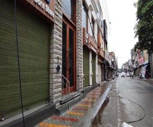 Lockdown in Ludhiana : ਲੁਧਿਆਣਾ 'ਚ ਸੰਡੇ ਲਾਕਡਾਊਨ 'ਚ ਬਾਜ਼ਾਰ ਬੰਦ, ਸੜਕਾਂ 'ਤੇ ਘੱਟ ਰਹੀ ਵਾਹਨਾਂ ਦੀ ਆਵਾਜਾਈ