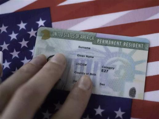 Green Card in Usa : ਅਮਰੀਕਾ 'ਚ ਵਾਧੂ ਫੀਸ ਦੇ ਕੇ ਮਿਲ ਸਕੇਗਾ ਗ੍ਰੀਨ ਕਾਰਡ, ਉਡੀਕ ਕਰਨ ਵਾਲਿਆਂ 'ਚ 10 ਹਜ਼ਾਰ ਤੋਂ ਵੱਧ ਭਾਰਤੀ ਸ਼ਾਮਲ