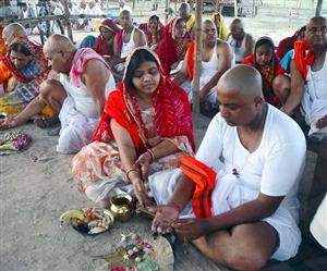 Pitru Paksha 2019 Shradh Vidhi : ਆਸਾਨੀ ਨਾਲ ਕਰ ਸਕਦੇ ਹੋ ਪਿੱਤਰਾਂ ਦਾ ਸ਼ਰਾਧ, ਇੱਥੇ ਹੈ ਸਭ ਤੋਂ ਅਸਾਨ ਵਿਧੀ