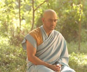 MS Dhoni ਬਣੇ ਮਹਾਤਮਾ, ਨਵਾਂ Monk Look ਇੰਟਰਨੈੱਟ ਮੀਡੀਆ 'ਤੇ ਹੋਇਆ ਵਾਇਰਲ