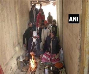 Kashmiri Pandits: 30 ਸਾਲਾਂ ਬਾਅਦ ਕਸ਼ਮੀਰ 'ਚ ਜੱਦੀ ਘਰਾਂ 'ਚ ਨਵਰੇਹ ਮਨਾਉਣ ਪਹੁੰਚੇ ਪੰਡਿਤ, ਮੁਸਲਿਮ ਭਰਾਵਾਂ ਨੇ ਕੀਤਾ ਨਿੱਘਾ ਸਵਾਗਤ