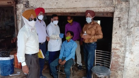 corona sampling 35 people vacicination punjab batala news