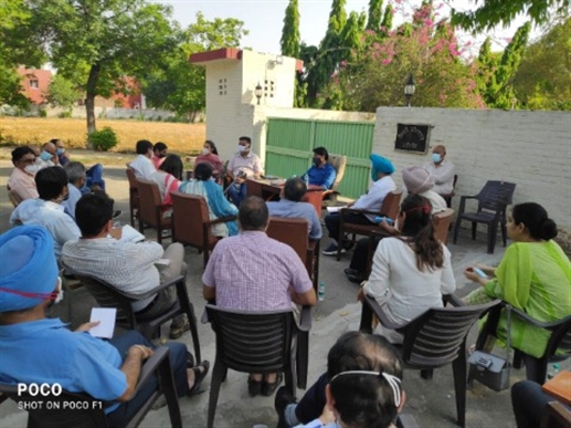 DC held meeting with distric officals