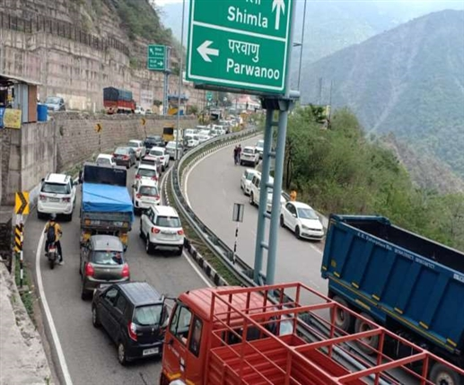Summer in the plains states and Tourists flock to Himachal Pradesh as soon as the state is unlocked