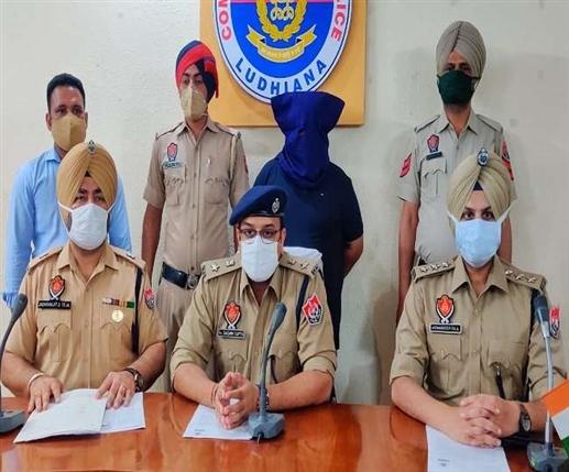 Ludhiana Police arrests Shiv Sena Leaders for scamming by using name of Prashant Kishor | ਪ੍ਰਸ਼ਾਂਤ ਕਿਸ਼ੋਰ ਦੀ ਆਵਾਜ਼ 'ਚ ਠੱਗੀ ਮਾਰਨ ਵਾਲੇ ਸ਼ਿਵ ਸੈਨਾ ਦੇ 2 ਆਗੂ ਗ੍ਰਿਫ਼ਤਾਰ