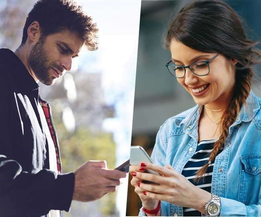 Indians cling to mobile phone screens says report