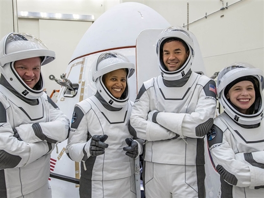 SpaceX Inspiration4: SpaceX makes history, launches first 'All-Civilian Crew', watch video |  ਪਹਿਲਾ 'All-Civilian Crew' ਲਾਂਚ