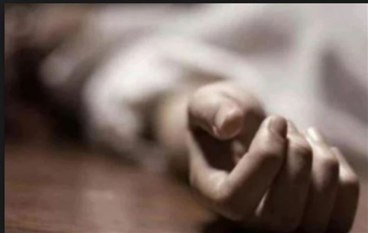 person comitted suicide due to wifes illicit relation