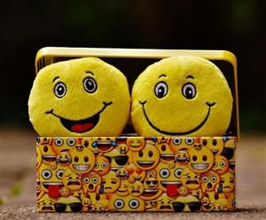 World Emoji Day 2021: ਬਹੁਤ ਹੀ ਦਿਲਚਸਪੀ ਹੈ ਇਮੋਜੀ ਦੇ ਸ਼ੁਰੂ ਹੋਣ ਤੋਂ ਲੈ ਕੇ ਅੱਜ ਤਕ ਦਾ ਸਫ਼ਰ, ਜਾਣੋ ਇਸ ਦੇ ਬਾਰੇ 'ਚ...