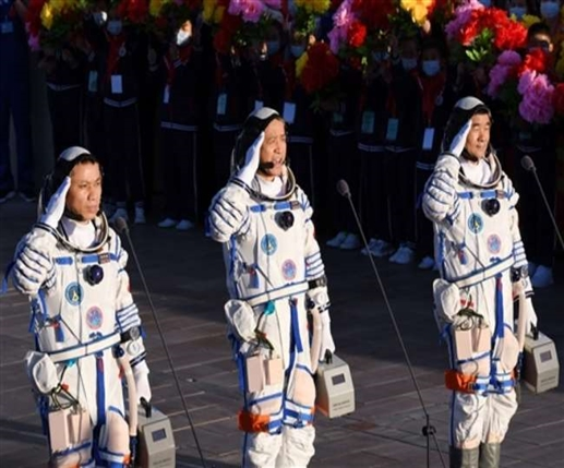 Dragon longest space mission Chinese astronauts return after 90 days at space station