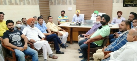 District Food and Supply Controller Cheema held a meeting with procurement agencies and artisans