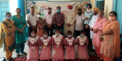 Smartphones distributed to school children at Dhanola