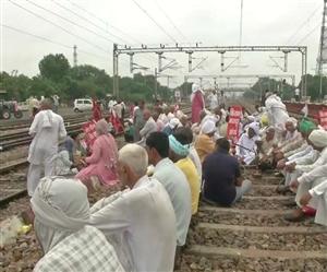 Rail Roko Andolan: ਪੰਜਾਬ, ਹਰਿਆਣਾ 'ਚ ਕਿਸਾਨਾਂ ਨੇ ਰੋਕੀ ਰੇਲ, ਯੂਪੀ 'ਚ ਪੀਐੱਸਸੀ ਦੀਆਂ 160 ਕੰਪਨੀਆਂ ਤਾਇਨਾਤ