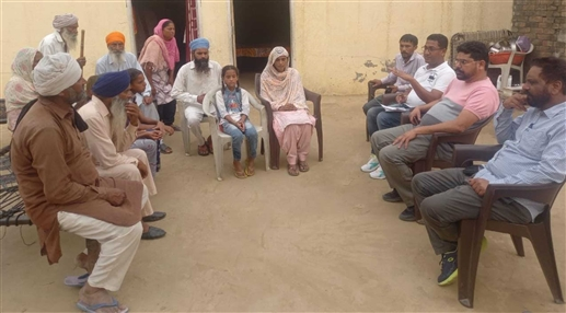 National Scheduled Castes Alliance delegation meets family of Lakhbir Singh killed at Singhu border
