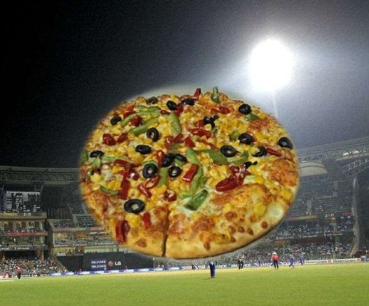Cricket News u19 cricket trapped in fraud for ordering pizza on line theft 50 thousand amount