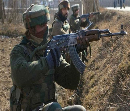 Kashmir encounter Security forces clash with militants in Saupian two militants trapped in siege