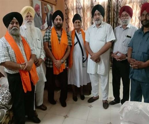 Bhupinder Khalsa campaigning for Delhi Sikh Gurdwara Management Committee elections in support of Harvinder KP