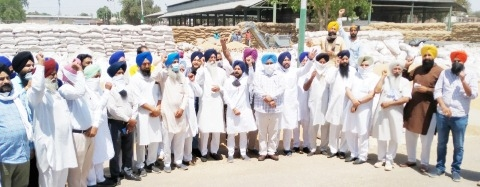 Akalis protest against poor procurement arrangements