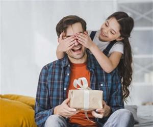 Father's Day 2021 Gift ideas : ਬਜਟ 'ਚ ਆਉਣ ਵਾਲੇ ਅਜਿਹੇ ਯੂਜ਼ਫੁਲ ਗਿਫ਼ਟਸ ਜੋ ਬੇਸ਼ੱਕ ਆਉਣਗੇ ਪਾਪਾ ਨੂੰ ਪਸੰਦ