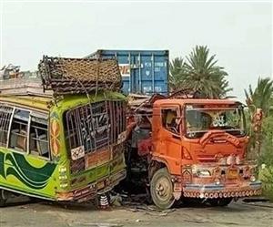 ਪਾਕਿਸਤਾਨ 'ਚ ਬੱਸ ਦੁਰਘਟਨਾ 'ਚ 30 ਲੋਕਾਂ ਦੀ ਮੌਤ, 40 ਤੋਂ ਜ਼ਿਆਦਾ ਲੋਕ ਜ਼ਖ਼ਮੀ