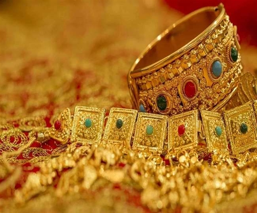 Gold price falls by Rs 4130 silver falls by Rs 10379