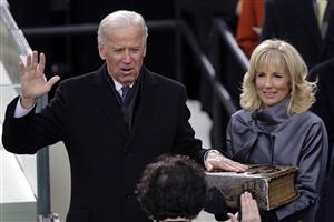 Joe Biden Oath : ਜੋਅ ਬਾਇਡਨ ਅਮਰੀਕਾ ਦੇ 46ਵੇਂ ਰਾਸ਼ਟਰਪਤੀ ਬਣੇ, ਸੌ ਸਾਲ ਪੁਰਾਣੀ ਬਾਈਬਲ 'ਤੇ ਹੱਥ ਰੱਖ ਕੇ ਚੁੱਕੀ ਸਹੁੰ