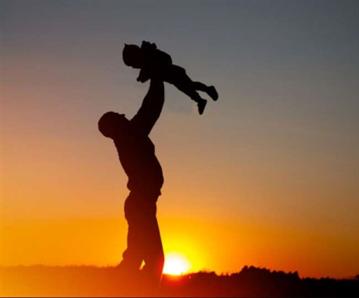 Father's Day 2021: ਸਰਵੇ ਮੁਤਾਬਕ, ਬੱਚਿਆਂ ਦੇ ਭਵਿੱਖ ਲਈ ਜੌਬ ਤੋਂ ਲੈ ਕੇ Hobby ਤਕ ਦਾ ਸਮਝੌਤਾ ਕਰ ਲੈਂਦੇ ਨੇ ਪਿਤਾ