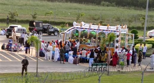 On the occasion of Jyoti Jyot Diwas Nagar Kirtan from Sri Kartarpur sahib was warmly welcomed at the border