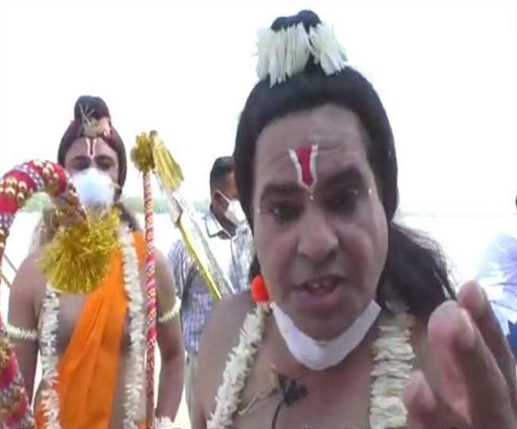 bajrang dal complains against a man who disguises as laxman on sukhna lake chandigarh