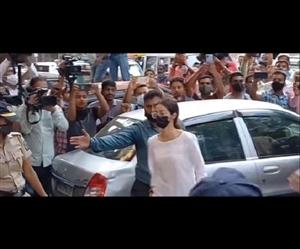 Drugs-Case : ਸੰਮਨ ਜਾਰੀ ਹੋਣ ਤੋਂ ਬਾਅਦ Ananya Pandey ਪਹੁੰਚੀ NCB ਦਫ਼ਤਰ, ਹੋਵੇਗੀ ਸਖ਼ਤ ਪੁੱਛਗਿੱਛ
