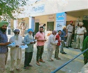 Punjab Byelections 2019 : ਹਲਕਾ ਦਾਖਾ 'ਚ ਕੁੱਲ 71.64 ਫੀਸਦੀ ਪੋਲਿੰਗ, ਤਲਵੰਡੀ ਖੁਰਦ 'ਚ ਕਾਂਗਰਸੀ ਤੇ ਲਿਪ ਸਮਰਥਕਾਂ 'ਚ ਲੜਾਈ