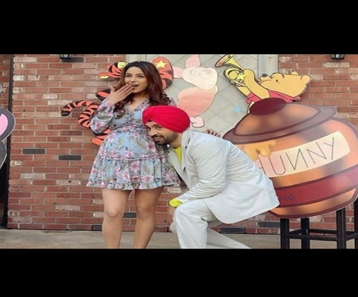 Will Shahnaz Gill resume shooting for Punjabi film 'Honsla Rakh' with Diljit Dosanjh? Read full news | ਕੀ ਸ਼ਹਿਨਾਜ਼ ਗਿੱਲ ਦਿਲਜੀਤ ਦੋਸਾਂਝ ਨਾਲ ਪੰਜਾਬੀ ਫਿਲਮ 'ਹੋਂਸਲਾ ਰੱਖ' ਦੀ ਸ਼ੂਟਿੰਗ ਦੁਬਾਰਾ ਸ਼ੁਰੂ ਕਰੇਗੀ