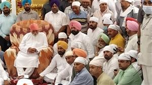 Punjab New CM Charanjit Singh Channi Dera Ballan Jalandhar Visit | ਡੇਰਾ ਬੱਲਾਂ ਵਿਖੇ ਨਤਮਸਤਕ ਹੋਏ ਪੰਜਾਬ ਦੇ ਨਵੇਂ CM ਚੰਨੀ, ਸੰਤ ਨਿਰੰਜਣ ਦਾਸ ਤੋਂ ਲਿਆ ਅਸ਼ੀਰਵਾਦ